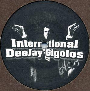 Gigolo 019 logo side